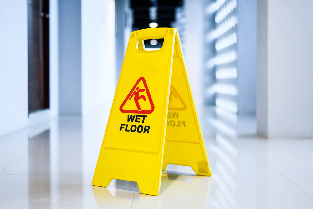 how to deal with wet floors